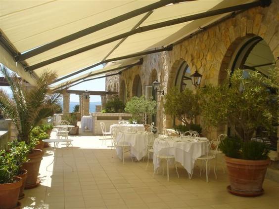 Store banne terrasse - Menuiserie Guy Rollande - Maître Artisan Spécialiste Rénovation en Loire Atlantique (44)